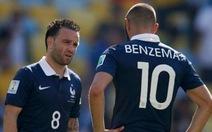 Điểm tin sáng 6-11: Benzema và Valbuena bị loại khỏi tuyển Pháp