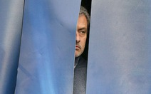 Chelsea sẽ mất 100 triệu bảng nếu sa thải HLV Mourinho