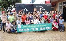 Lửa Thiện Nhân về Đà Nẵng, bác sĩ ôm chầm đạo diễn