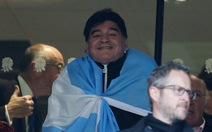 Maradona phẫu thuật thắt bao tử