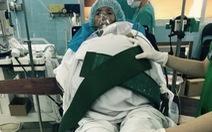 Bệnh nhân mang khối u buồng trứng 31 kg