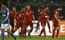 Thắng Schalke, Bayern Munich bỏ xa Dortmund 8 điểm