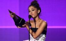 Ariana Grande đánh bạiTaylor Swift, giành giảiÂm nhạc Mỹ 2015