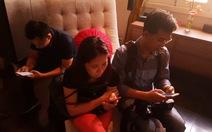 Người trẻ Việt xài điện thoại 15 giờ mỗi tuần