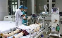 Nổ bình hóa chất, 6 công nhân nhập viện
