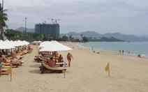 Tìm cách giữ cát cho bãi biển Nha Trang
