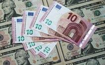 """Xu hướng """"bán euro, mua USD"""" sẽ phổ biến trong năm 2016"""