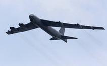 Sau 60 năm, pháo đài bay B-52 vẫn dội bom