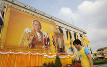 """Bị bắt vì """"like"""" và """"share"""" ảnh chế quốc vương Thái Lan"""