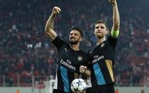 Giroud không phụ lòng ông Wenger
