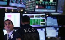 Chứng khoán Mỹ tăng tiếp, giá dầu khá ổn định