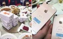 Đại gia Trung Quốc đem... 39iPhone 6S tặng bạn họp lớp