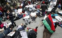 Dân Mỹ lại nổi giận vì cảnh sát bắn người da đen