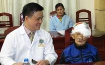 Phẫu thuật cắt khối u khổng lồ trên mặt bệnh nhân