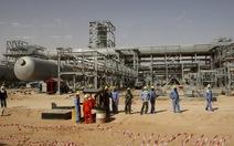 Saudi Arabia vật vã vì giá dầu sụt giảm