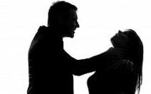 Cuồng yêu, nam thanh niên gí dao vào cổ khống chế bạn gái