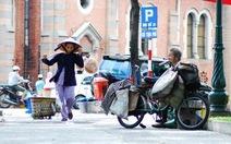 """Sài Gòn tiếng rao """"nghe sao lạc lõng giữa phố chiều lao xao"""""""