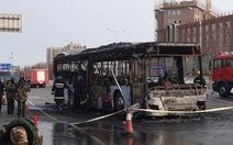 Đốt xe buýt ở Trung Quốc, 14 người chết