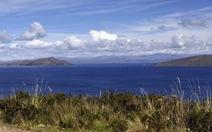 Bolivia và Peru cùng làm sạch hồ nước ngọt lớn nhất Nam Mỹ