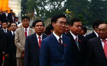 Đại biểu dự Đại hội Đảng vào lăng viếng Chủ tịch Hồ Chí Minh
