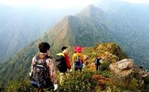Chiêm ngưỡng vẻ đẹp sống khủng long núi Tà Xùa