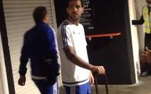 Bảo vệ ở Chelsea bị sa thải vì mắng Fabregas