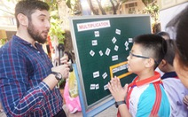 Hóa thân thành du khách để học ngoại ngữ