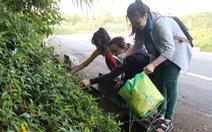 """""""Du lịch nhặt rác"""" trên bán đảo Sơn Trà"""