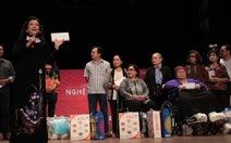 NSND Kim Cương mang xuân đến cho nghệ sĩ nghèo