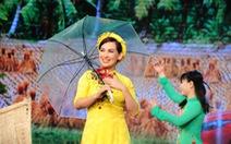 Xem Phi Nhung hát Cô Thắm về làng