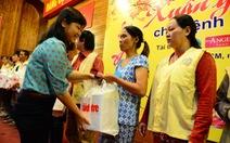 """Chương trình """"Xuân yêu thương"""": Trao 300 suất quà cho bệnh nhân nghèo"""