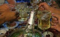 Ngày Tết, coi chừng ngộ độc do say xỉn