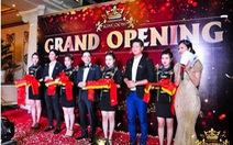 Vợ chồng Bình Minh khai trương cơ sở karaoke mới