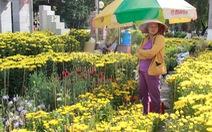 Tết này dân Sài Gòn chuộng ăn, liệu hoa kiểng ế ẩm?