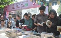 Phố sách xuân Hà Nội đạt doanh thu 4 tỉ đồng