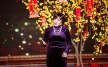Clip nghệ sĩ Hồng Nga nghẹn ngào hát Xuân đất khách