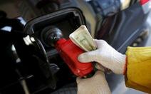 Giá dầu vẫn giảm bất chấp thỏa thuận Nga - Saudi
