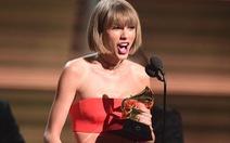 """Grammy 2016: """"Chúc mừng bạn gái xinh đẹp của tôi"""""""