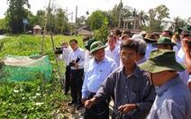Phó thủ tướng Nguyễn Xuân Phúc thị sát tình hình hạn, mặn