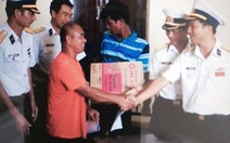 Bàn giao ngư dân gặp nạn ở đảo Sinh Tồn cho Philippines