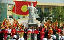 Khánh thành tượng Hoàng đế Quang Trung tại ĐH Quốc gia TPHCM