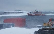 Tàu phá băng mắc kẹt ở Nam cực, cứu được 37 người