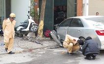 Người chưa có bằng láinhận lái Camry tông chết 3 người