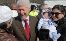 Ông Bill Clinton có phạm luật bầu cử?