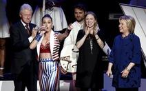 Katy Perry, Elton John hát ủng hộ Hillary Clinton