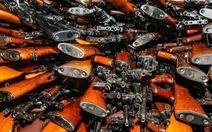 Hải quân Úc bắt giữ tàu cá chở 2.000 khẩu AK