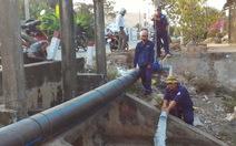 Doanh nghiệp cấp nước rề rà mặc cho dân uống nước mặn