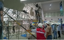 Vách ngăn thi công nhà ga sân bay Tân Sơn Nhất bị nghiêng
