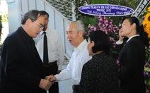 Nước mắt người già tại tang lễ giáo sư Lý Chánh Trung