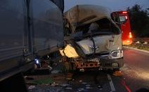 Xe khách đổ đèo Bảo Lộc tông xe tải, cụ bà 70 tuổi tử vong
